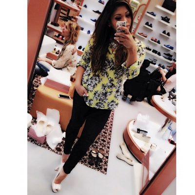 #ootd #selfie while #shoe #shopping at the new @CarloPazolini #store at the #BeverlyCenter with @alyssabakertv #whatiwore #fashionblogger #fashiongirl #blog #shoes #heels #bows #asian #asianstyle #italian #luxe #luxury @jcrew #floral #shirt @motherdenim #jeans