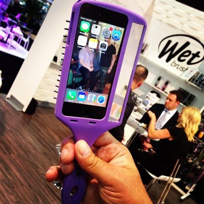 One of the coolest new products discovered at #cosmoprof–@wetbrush #selfie #hairbrush that just so happens to hold your cell phone! Ummm genius. #beauty #hair #blog #butfirstletmetakeaselfie #want #wetbrush #beautyblogger #beautyexpert